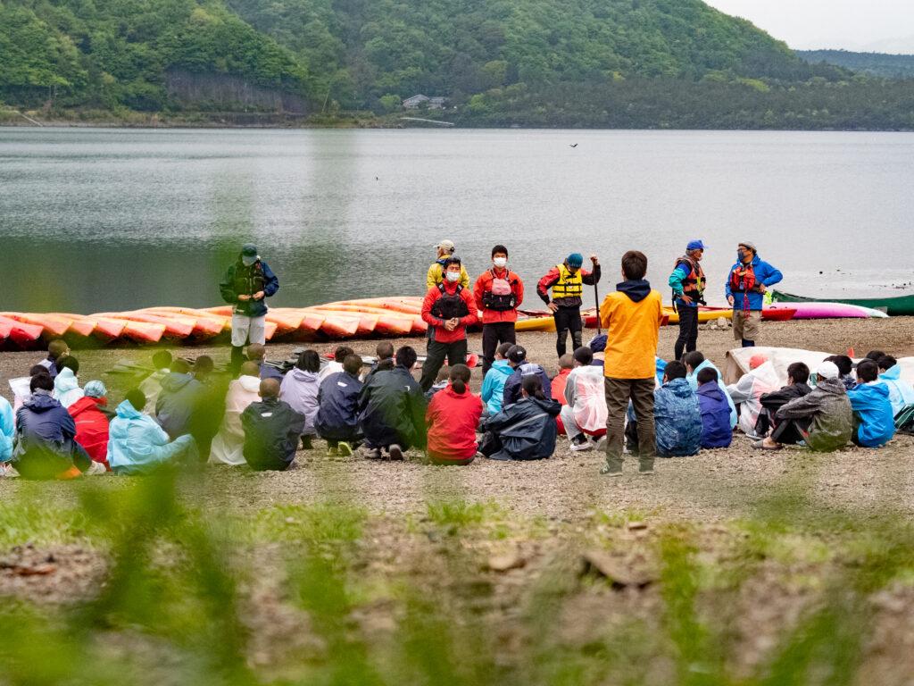 富士山っ子は、素朴。林間学校カヌー体験