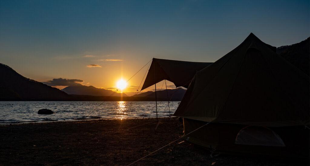 西湖 湖畔キャンプ場